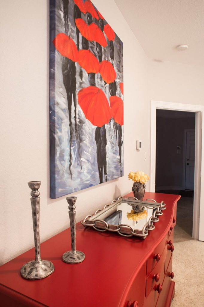red accents in interior design