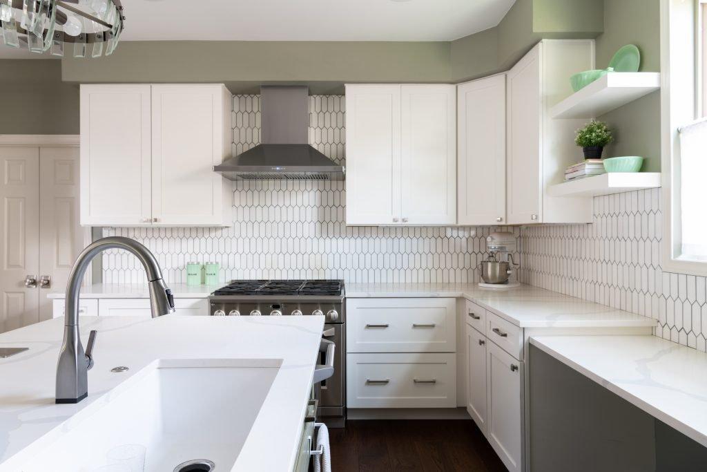 white kitchen and backsplash design
